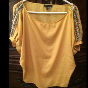 Tops - 🎉HOST PICK🎉 Yellow embellished blouse