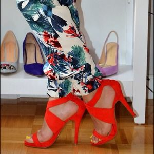 Shoes - Coral suede heel sandals