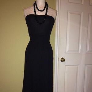 Dresses & Skirts - Strapless black dress