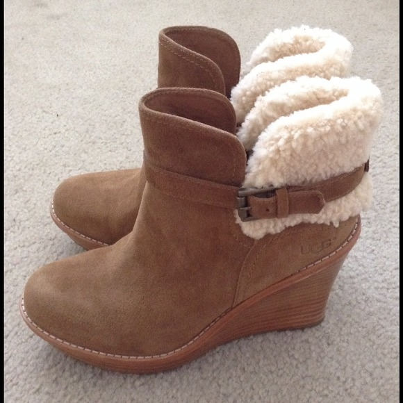 11cf1eab5c63 FLASH SALE Authentic UGG Anais wedge boots new. M 53bcb15c03bb82052d019284