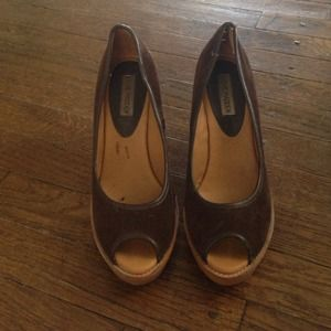 Steve Madden brown wedge