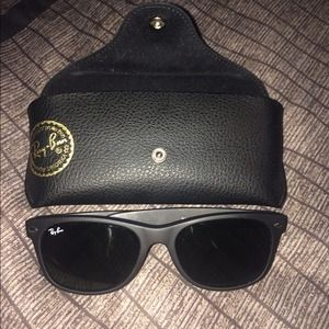 Ray-Bans w/ case