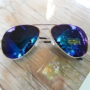 Accessories - Green Multi Polarized Silver Aviator Sunglasses