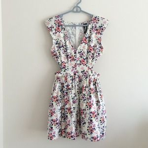 Trixxi floral cut out dress size M