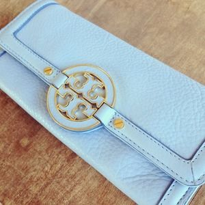 Tory Burch Amanda Envelope Wallet