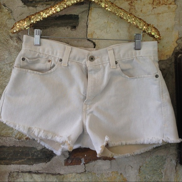 Levi's Denim - Levis denim cut off (off white) shorts