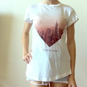 ⬇️PRICE REDUCED⬇️WILDFOX I LOVE NEWYORK TEE
