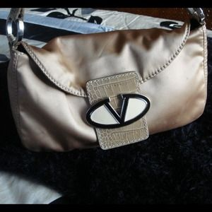   Authentic Valentino Garavani Shoulder Bag