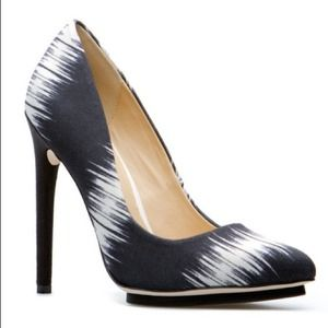 GX by GwenStefani Ayume Pumps 7.5 L.A.M.B. design