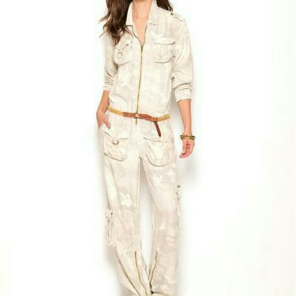 c24a4d45e134 Da-Nang 100% Silk Long Sleeve Camo Carg Jumpsuit M