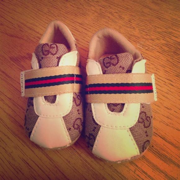 0905b32b9f6 Gucci infant shoes