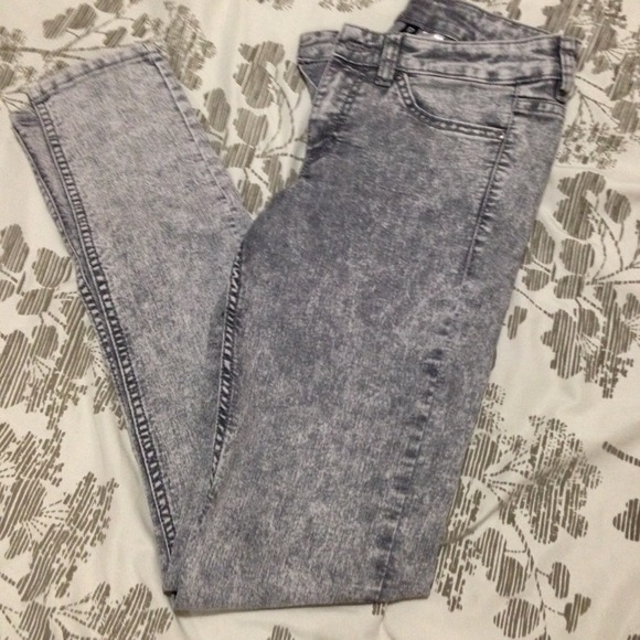 H&M Jeans - H&M Grey high waisted washed jeans