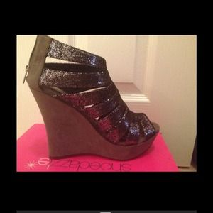 shoedazzle Shoes - Glitter wedges ❗️REDUCED