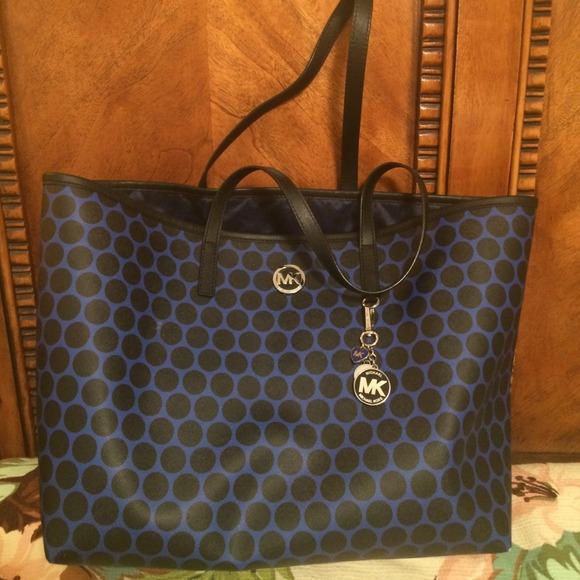 michael kors bags mk blue black polka dot handbag poshmark rh poshmark com