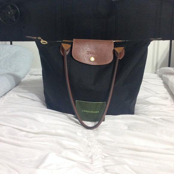 Longchamp Handbags - Longchamp Le Pliage black medium tote 6c4af17403