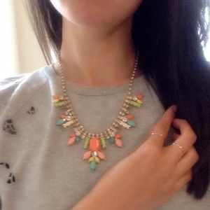 Jewelry - • Colorful Statement Necklace •