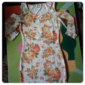 Forever 21 White Flowered Dress Size S