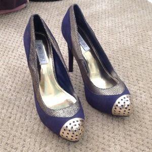 Shoes - Navy & Gold Pumps