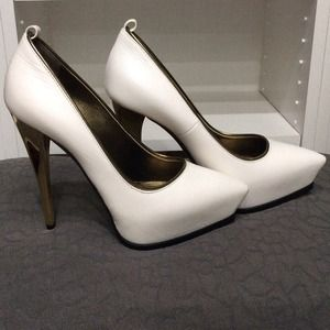 Lanvin Shoes - Lanvin white leather stilettos