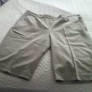 Dress shorts - grey - NWT