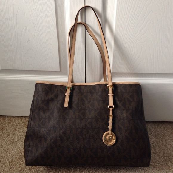 9e31f8b98369 Michael Kors - Authentic MK Purse from Handbags collection's closet on  Poshmark