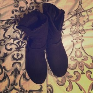 Black boots!