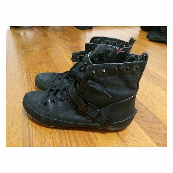 d1e1d10936d90 Sam Edelman Alexander studded sneakers. M 53c33f7f2d249051f6149719