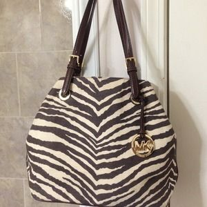 0a766953238114 Michael Kors Bags - ❌On HOLD❌Michael Kors Zebra print canvas Tote🌸