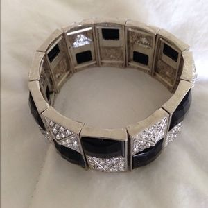 Jewelry - NWOT rhinestone bracelet 🎉HP🎉