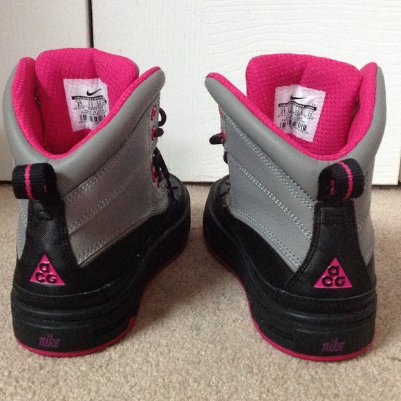 acg girl boots