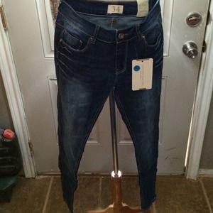 SALE- New Straight Leg Jeans! Sz 2!