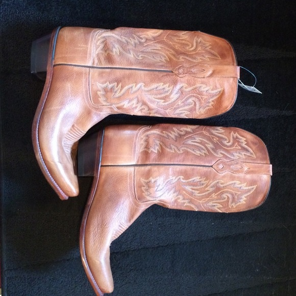 Men's old west cowboy boots -- 100% leather NWT