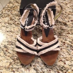 Shoes - Cammina platform sandals. Black with cream fringe