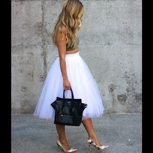 Dresses & Skirts - NEW White Tulle Skirt❤️