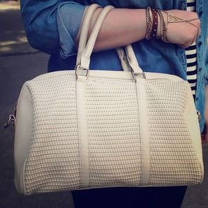 Handbags - ⬇️ Cream Satchel Woven Faux Leather Bag