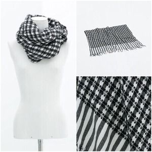 Zara Black & White Scarf