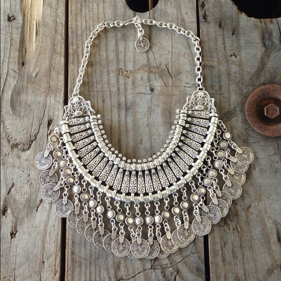 St. Eve jewelry Jewelry - Silver bohemian bib necklace
