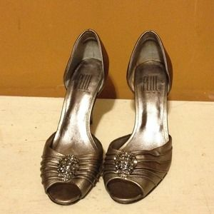 Pelle Moda Shoes - Pewter d'orsay heels