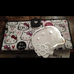 Hello Kitty Clutches & Wallets - Hello kitty wallet