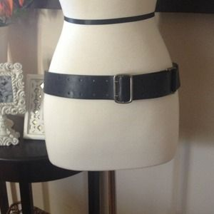 Accessories - Black leather  belt with great accents