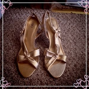 Gold Bow Cato Heels