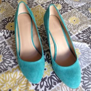 "Zara Shoes - New Zara Turquoise ""Court House"" Medium Heels Sz 8"