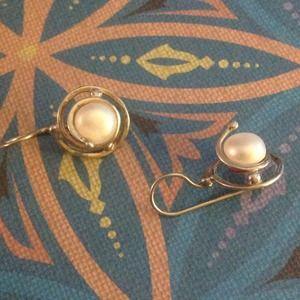 Sterling silver Swirly Pearl Earrings