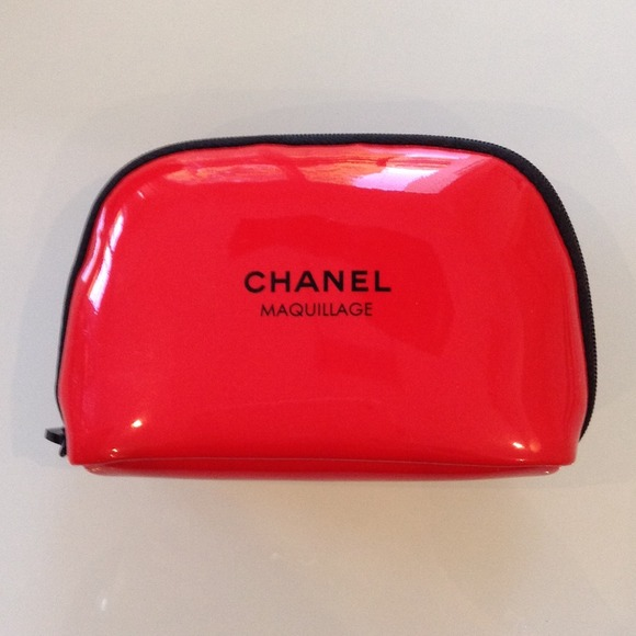 4fe96c1c16f1 Chanel Maquillage Red Cosmetic Makeup Bag Case Nwt