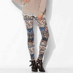 ⬇️PRICE REDUCED⬇️TRULY MADLY DEEPLY LEGGINGS