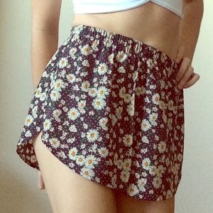 BUNDLE ✌️DAISY SHORTS/SKIRT