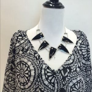 Tops - Black and White Breezy Blouse