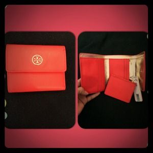 💞💞SOLD💞💞Authentic Tory Burch Wallet NWT💞💞💋