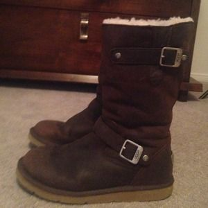 brown uggs with buckles