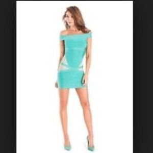 🎉🎉JUST REDUCED💕 BRAND NEW MARCIANO DRESS